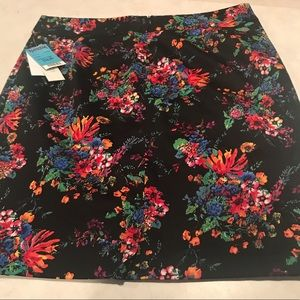 NEW Laundry By Shelli Segal 12 Floral skirt
